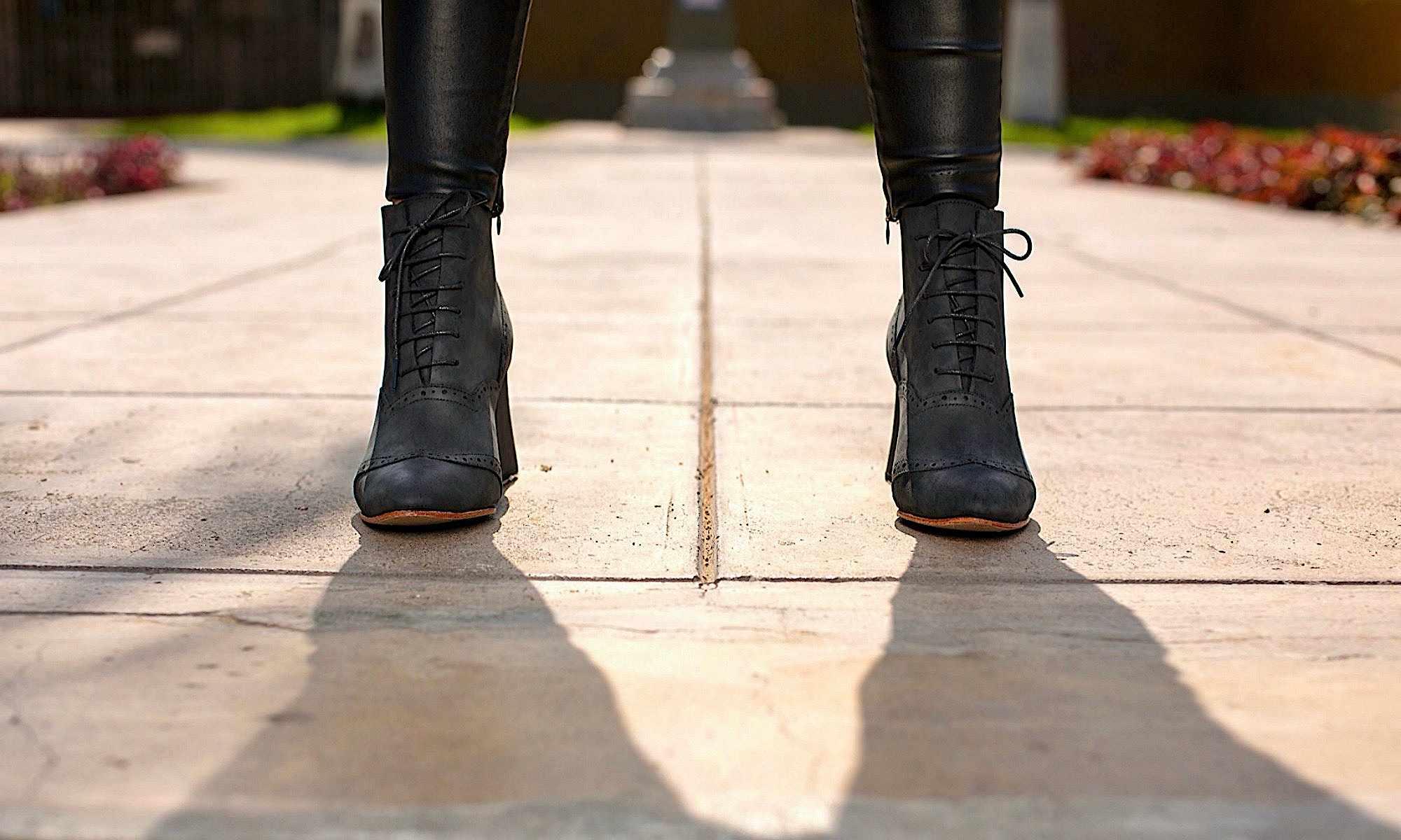 Madam Walker fatty black matte wooden heels black 7 cm