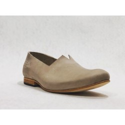 Gaucho handmade leather shoes fatty dry soil