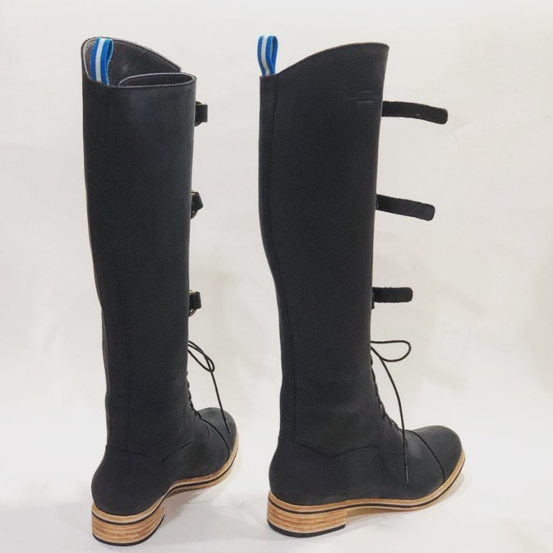 Juliana Polo Fem handmade leather boots fatty black details black
