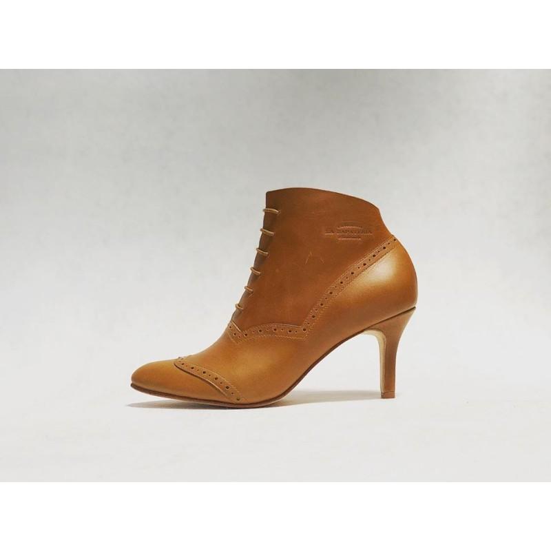 Madam Walker handmade leather shoes caramel ranger details beige heels 7 cm