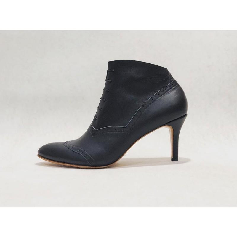 Madam Walker handmade leather shoes black napa heels 7 cm