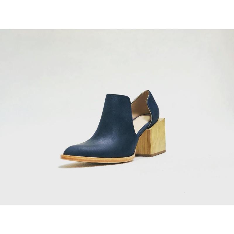 Alfonsina handmade leather shoes fatty ocean blue details beige wooden heels natural 7 cm