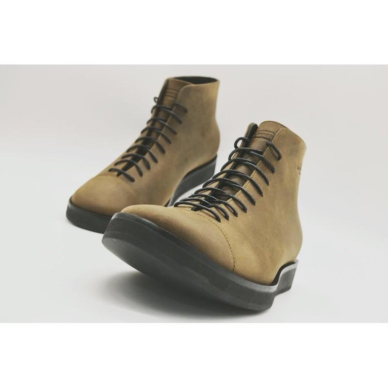 Ocho greasy green with platform black details handmade leather shoe